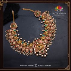 Don't Miss These Royal Looking Necklace Designs!! • South India Jewels Indian Gold Necklace Designs, Indian Gold Jewellery Design, Gold Temple Jewellery, Antique Jewellery Designs, Jewelry Design, Gold Jewelry, India Jewelry, Gold Necklaces, Wedding Jewelry