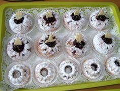Eierlikörkuchen Mini Cupcakes, Desserts, Food, Cake Batter, Berries, Recipies, Tailgate Desserts, Deserts, Essen