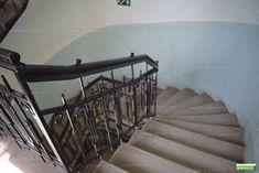 Fénykép az ingatlanról Stairs, Home Decor, Ladders, Homemade Home Decor, Stairway, Staircases, Decoration Home, Stairways, Interior Decorating