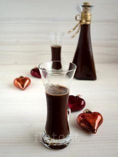 Tokaji aszús csokoládé likőr V60 Coffee, Cocktail Drinks, Diy Food, Drinking Tea, Smoothies, Recipies, Food And Drink, Protein, Cooking Recipes