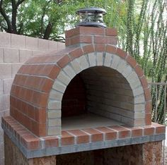 What a wonderful brickwood oven! I'm thinking outdoor pizza. Brick Oven Outdoor, Brick Bbq, Pizza Oven Outdoor, Oven Diy, Diy Pizza Oven, Pizza Ovens, Wood Oven, Wood Fired Oven, Backyard Creations