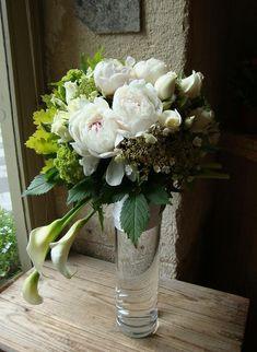 Art Floral Japonais - Akiko Usami - Part 6 Beautiful Flower Arrangements, Wedding Flower Arrangements, Floral Centerpieces, Wedding Bouquets, Floral Arrangements, Beautiful Flowers, Wedding Flowers, Ikebana, Art Floral Japonais