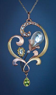 Art Nouveau Pearl Pendant | Art Nouveau Antique Jewelry