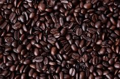 20 Bizarre Uses For Coffee. IE: To make your own coffee cellulite treatment at home, mix warm used coffee grounds with coconut oil and rub it onto your skin in circular motions for a few minutes before rinsing Herbal Remedies, Home Remedies, Natural Remedies, Tick Repellent For Humans, Homemade Tick Repellent, Growing Mushrooms, How To Exfoliate Skin, Natural Solutions, Natural Healing