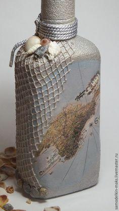 Купить или заказать Подарочная бутылка 'Привет из Крыма' в интернет-магазине на Ярмарке Мастеров. Вообще-то она не такая уж декоративная... Ее можно наполнить (или заказать уже наполненную излюбленным напитком), полюбоваться всласть, повосхищаться неординарным подарком, подивиться фантазии дарителя, выпить с удовольствием содержимое и оставить себе на память саму бутылку. Миллион удовольствий в одном флаконе! Чтобы это чудо долго согревало душу воспоминаниями и перешло по наследству к…