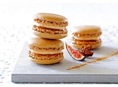 Macarons foie gras et chutney de figues violettes