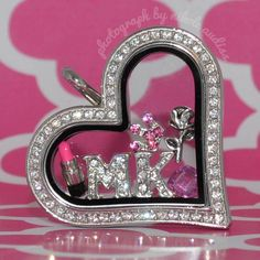 for the Mary Kay consultants out there. :D http://mycestlavie.origamiowl.com