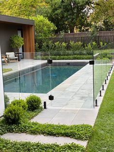 Backyard Pool Landscaping, Backyard Pool Designs, Small Backyard Pools, Swimming Pools Backyard, Swimming Pool Designs, Small Garden With Pool Ideas, Outdoor Pool Areas, Backyard Ideas, Pool House Designs