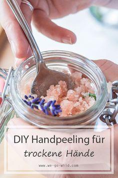 DIY Handpeeling mit Kokosöl und Meersalz für trockene Hände Zucker Schrubben Diy, Diy Peeling, Cooking Chef, Diy Beauty, Cravings, Oatmeal, Treats, Food, Small Bedrooms