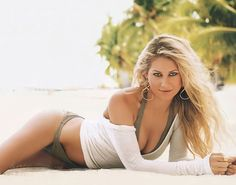 The 20 Hottest Photos of Anna Kournikova
