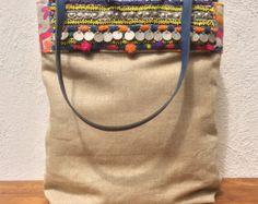 "Reservados bolsa de lino con detalles de ""tribales"""