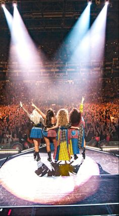 Little Mix Girls, Little Mix Outfits, Little Mix Style, Jesy Nelson, Perrie Edwards, Meninas Do Little Mix, Litte Mix, Mix Photo, Popular Artists