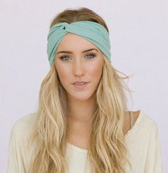 Turbante, Twist Mint, de ThreeBirdNest, una diseñadora indie de California (17,62€).