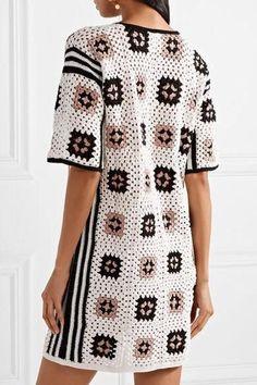 Transcendent Crochet a Solid Granny Square Ideas. Inconceivable Crochet a Solid Granny Square Ideas. Point Granny Au Crochet, Cardigan Au Crochet, Black Crochet Dress, Crochet Cardigan, Crochet Shawl, Knit Crochet, Poncho Shawl, Crochet Summer, Cardigan Pattern