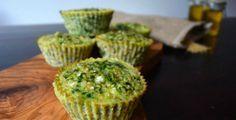 Deze ei muffins met spinazie en hüttenkäse maak je heel gemakkelijk! Weinig werk en erg gezond. Lekker als ontbijt, tussendoortje of bij het avondeten.