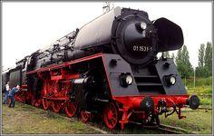 Dampflok BR 01 beim Eisenbahnfest im Bw Schöneweide. Abandoned Train, Steam Engine, Steam Locomotive, Steamer, Berlin, Engineering, Germany, Europe, Amazing