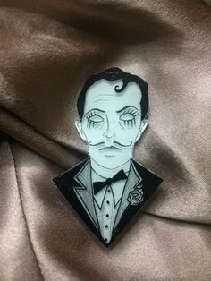 BioShock Sander Cohen Pin - This creepy character will upgrade your outfit. Sander Cohen, Art Nouveau, Bioshock Game, Video Game Addiction, Dc Comics Art, Comic Art, Nerdy, Creepy, Video Games