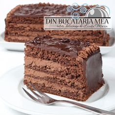Chocolate Cake w/Walnut Cream Food Cakes, Cupcake Cakes, Chocolate Desserts, Chocolate Cake, Just Desserts, Delicious Desserts, Romanian Desserts, Cake Recipes, Dessert Recipes