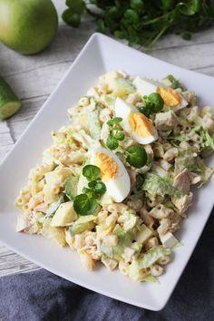 Herkuttelijan kanasalaatti Easy Cooking, Cooking Recipes, Healthy Recipes, Salty Foods, Food Tasting, Easy Salads, I Foods, Food Inspiration, Salad Recipes