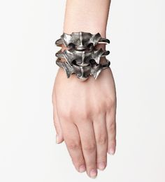 """bridgettelizabeth: SKINGRAFT - VERTEBRAE BRACELET Vertebrae bracelet made of white bronze. Can be worn as one bracelet or stacked on wrist to create beautiful spine effect. There goes my whole """"I have no need for jewellery"""" thing. Jewelry Box, Jewelry Accessories, Fashion Accessories, Fashion Jewelry, Jewelry Design, Pinterest Jewelry, Dandy, Bracelet Making, Pinup"""