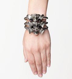 SKINGRAFT - VERTEBRAE BRACELET  http://www.deliciousboutique.com/DB-SG086.html  Vertebrae bracelet made of white bronze.