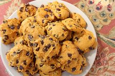 The cookies are entirely too simple, perfect for fall and completely adaptable to your tastes. They can be made with only a handful of ingre. Pumpkin Recipes Cake Mix, Recipe Using Pumpkin, Crazy Cookies, Cake Mix Cookies, Yummy Snacks, Delicious Desserts, Snack Recipes, Libby's Pumpkin, Canned Pumpkin