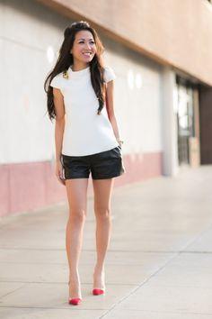 Simplicity :: Black leather