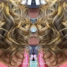 Removed Miss Megan's Teal shadow box and rede posited color to match her natural color.  Then balayaged all her hair for a very natural sun kissed glow ☀️☀️☀️👌😀