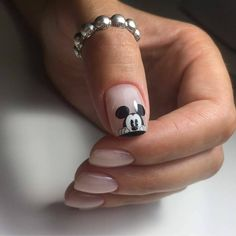 70 trendy nails ideas desing glitter in 2020 Hair And Nails, My Nails, Glitter Nails, Disney Acrylic Nails, Mickey Mouse Nails, Trendy Nail Art, Instagram Nails, Fabulous Nails, Nail Manicure