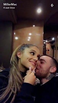 Ariana Grande y Mac Miller Ariana Grande Bangs, Ariana Grande Fotos, Ariana Grande Cute, Maquillage Kylie Jenner, Mac Miller And Ariana Grande, Celebrity Couples, Queen, Couple Goals, Foto E Video