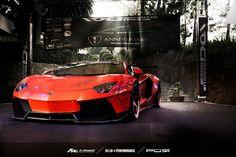 Liberty Walk Lamborghini Aventador LP700