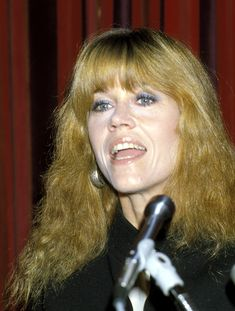 By the actress was back to blonde, with bangs and brushed curls at the National Association of Theater Owners Awards. Henry Fonda, Jane Fonda, New York Socialites, Lee Strasberg, Sports Today, Orange Lips, Actor Studio, Cut Her Hair, Jane Seymour