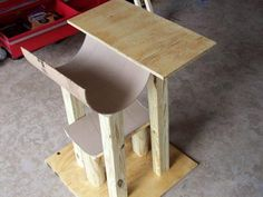 Cat tower DIY - YES I need to make this for my sis and for Alice!