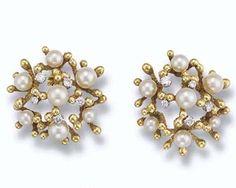Princess Margaret's John Donald cultured Pearl & Diamond earrings. https://www.facebook.com/photo.php?fbid=1614199785523756&set=oa.283553501812446&type=3&theater https://www.facebook.com/groups/260713314096465/