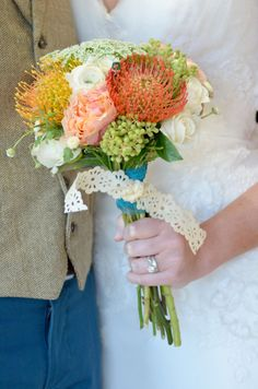 Shabby chic bouquet (Meredith Moran Photography)