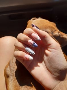 Prized by women to hide a mania or to add a touch of femininity, false nails can be dangerous if you use them incorrectly. Types of false nails Three types are mainly used. Aycrlic Nails, Swag Nails, Hair And Nails, Summer Acrylic Nails, Best Acrylic Nails, Stylish Nails, Trendy Nails, Grunge Nails, Nagel Blog