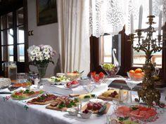 """Breakfast in """"Swans"""" - Riverside Manor."""