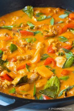 The Best Thai Panang Chicken Curry Recipe - The most amazing red chicken curry we've ever made! This light and healthy dish is better than any takeout Indian Food Recipes, Asian Recipes, Ethnic Recipes, Healthy Dishes, Healthy Recipes, Ketogenic Recipes, Delicious Recipes, Thai Panang Curry, Thai Red Curry