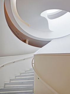 Architect Denis Montel of Rena Dumas Architecture Interieure (RDAI) designed the new luxurious 12,000 square foot space, built on the property Hermès has occupied since 1972.