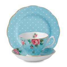 The Royal Albert New Country Roses Polka Blue Teacup Set is the perfect gift for any tea lover. With classically rendered roses and diminutive rose buds famous of the New Country Roses pattern, this set well suits the English teatime tradition. Party Set, Tea Party, Royal Albert, Tea Places, Ideias Diy, Teapots And Cups, China Tea Cups, My Cup Of Tea, China Patterns