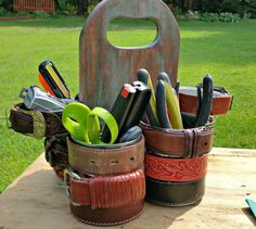 tin can tool caddy crafts home maintenance repairs repurposing upcycling tools woodworking projects Upcycled Crafts, Repurposed Items, Recycling, Recycle Cans, Project Yourself, Make It Yourself, Decor Crafts, Diy Crafts, Palette Diy