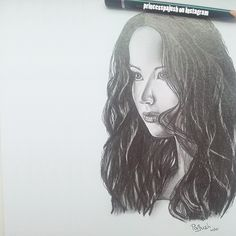 Katness Everdeen / Jenifer Lawrence (main character of Hunger Games or Silver Linings Playbook)