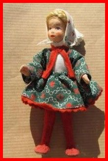 Dollhouse Family, Dollhouse Dolls, Doll House People, Selling On Ebay, Vintage Toys, Miniatures, Christmas Ornaments, Holiday Decor, Charlotte