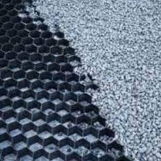 Met grindmatten blijft je grind langer liggen. Handig voor bijvoorbeeld een oprit.