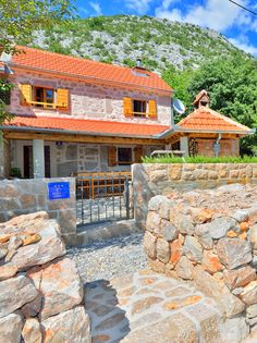 House Martelina is located 257 m above the sea level. More than a 100 years old, it is made of natural materials: stone, wood and brick and was completely renovated in 2014. If you are looking for a perfect place to relax and connect with nature, do not hesitate - make a reservation.