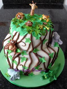 Bolo floresta - jungle cake  http://lenabolosdecorados.blogspot.com.br/search/label/Infantil