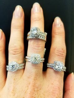 Getting engaged? Do you like round? Diamond Earrings, Engagement Rings, Jewels, Enagement Rings, Wedding Rings, Bijoux, Commitment Rings, Pave Engagement Rings, Gemstones