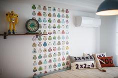 Boy Bedroom / Robot / Cool Cushions http://renatamccartney.com.br/site/