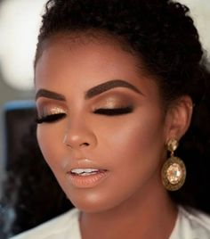 This is must-see wedding makeup for WOC. Wedding Makeup For Blue Eyes, Best Wedding Makeup, Bridal Makeup Looks, Natural Wedding Makeup, Natural Makeup Looks, Wedding Hair And Makeup, Natural Make Up Wedding, Makeup For Brides, Makeup For Prom
