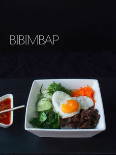 Bibimbap // At Maria's Fish Recipes, Meat Recipes, Fish And Chicken, Eggs, Dishes, Drinks, Breakfast, Food, Drinking